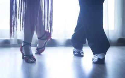 Këpucët më të përshtatshme për çdo model xhinsesh