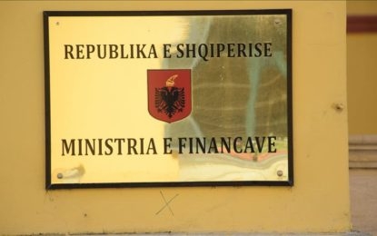 Shteti shqiptar ka rreth 8.6 miliardë euro borxh