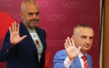 Shqipëria hyn në një kaos të ri kushtetues