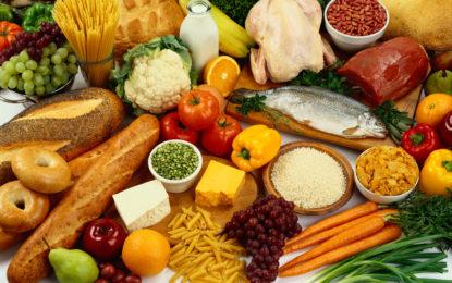 3 ushqime që nuk duhen konsumuar para gjumit