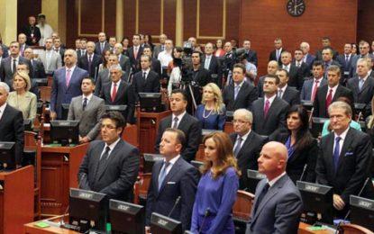 """Nga plagjiaturat, tek futja e """"të fortëve"""" në politikë. Quo Vadis Shqipëri?"""