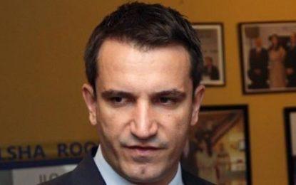 """Kryebashkiaku Veliaj solli nga Vjena """"trofeun"""" që nuk ekziston"""
