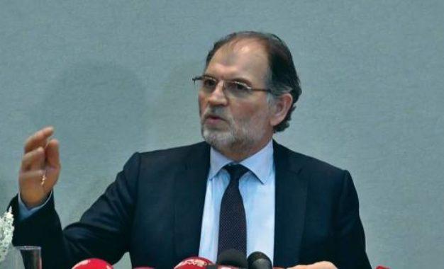 Koço Kokëdhima: Lërini shqiptarët të hyjnë në atdhe!