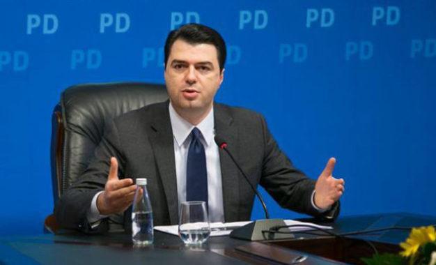 Premtimi i Bashës: Paga minimale do të jetë 400 euro