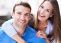 A është flirti tradhti kur je në një marrëdhënie? Flasin ekspertët