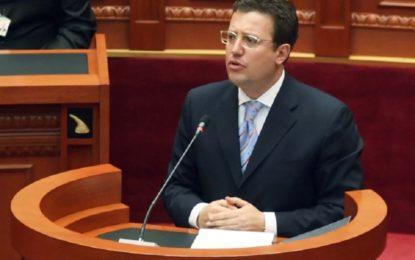 Djali i Sokol Olldashit: Në gjurmët e babait, së shpejti në politikë