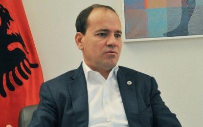 Ish-presidenti akuzon ish-presidentin: Bamir Topi gjobiste prokurorët dhe gjyqtarët