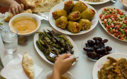 Muaji i Ramazanit, këto janë efektet shëndetësore të agjërimit