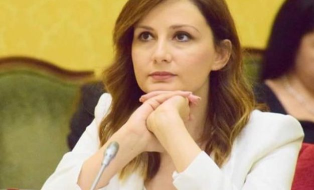"""Shqipëria u konvertua në """"Republikën e Oligarkëve"""""""