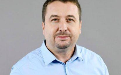 Dy tregime për arrogancën vetëvrasëse të shqiptarëve
