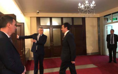 """Gjykata Kushtetuese """"rrëzon"""" Albin Kurtin, i jep të drejtë Thaçit për qeverinë e re"""