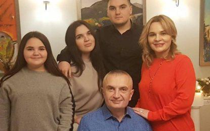 Tre fëmijët e Presidentit Meta dhe Monika Kryemadhit, Era, Besari dhe Bora Metaj