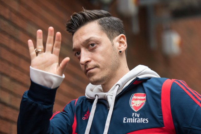 Mesut Ozil largohet nga Arsenal pas 7 vitesh, një letër për tifozët