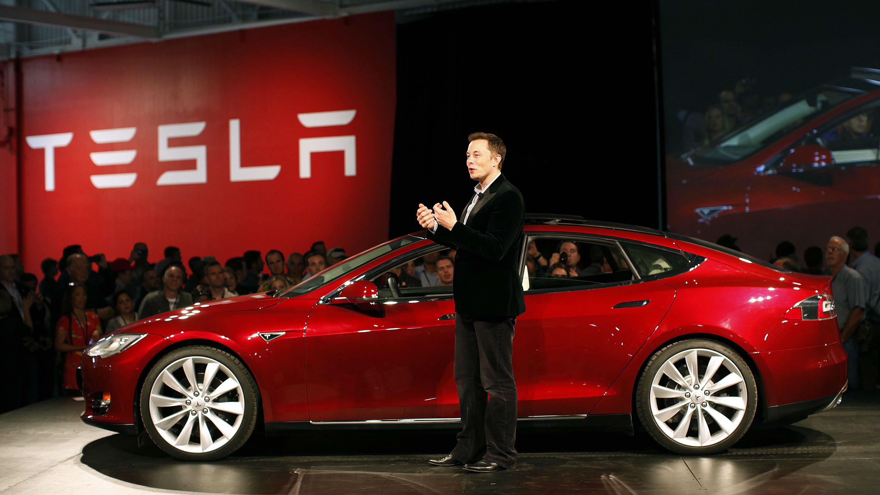 Tesla rritet sërish, kompania e Elon Musk tashmë vlen 800 miliardë dollarë
